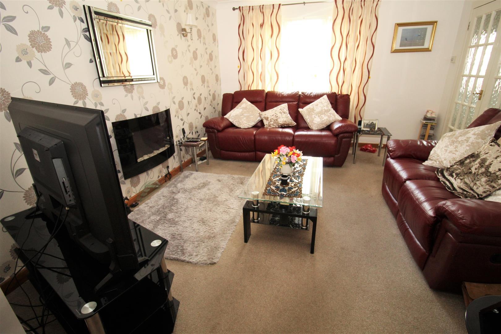 3 Bedrooms, House - Semi-Detached, Corwen Drive, Netherton, Merseyside